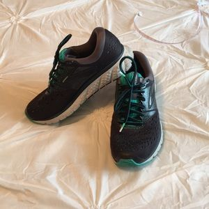 Brooks Glycerin athletic shoes size 8 1/2
